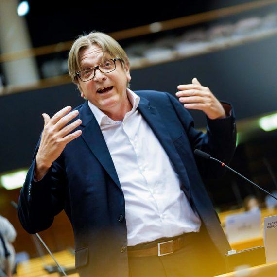 Guy Verhofstadt tijdens een speech
